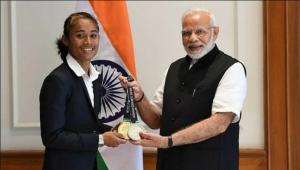 Narendra Modi with Das