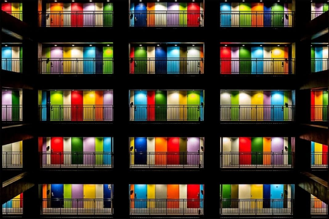 """""""Multi Color"""" by Elizabeth Jenny Tane. Tokyo, Japan. 1° Classified, Architecture & Urban Spaces"""