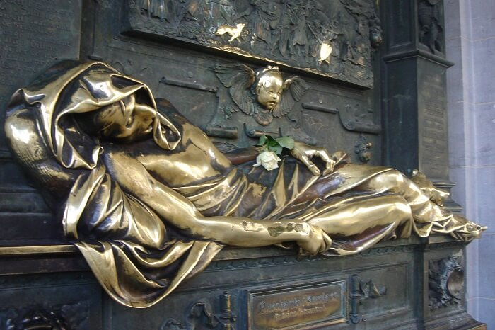 Everard't Serclaes Statue, Brussels, Belgium