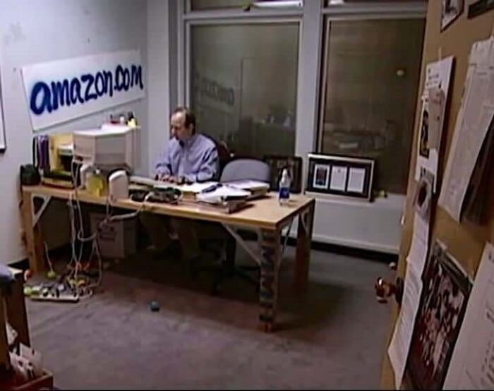 Amazon – 1999 - Famous Companies First Store