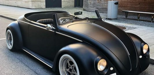 Guy Transformed A 1961 VW Beetle Deluxe Into a Black Matte Roadster